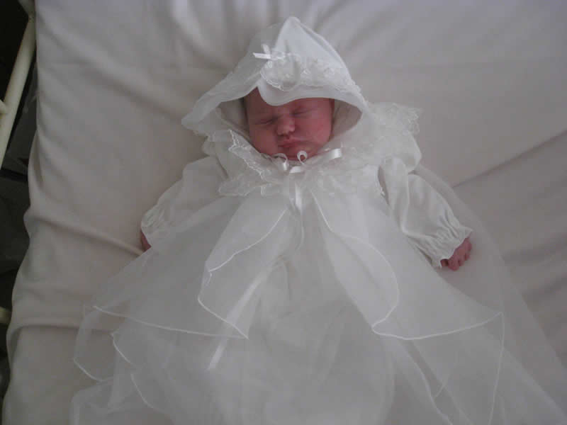Emi's dress.